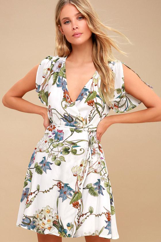 Lulus Wrap dress, summer 2018 dress, dress trends